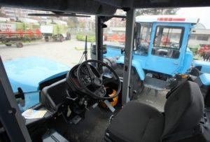 Кабина ХТЗ-17223. Управление трактором