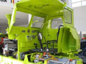 traktor T-4A kabina