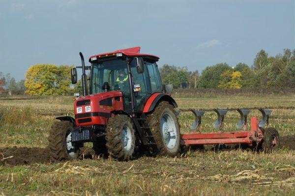 Технические характеристики трактора МТЗ-1523