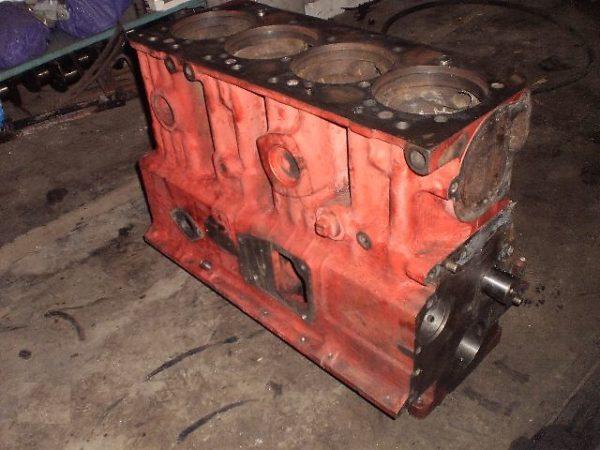 blok-cilindrov-dvigatelja-d-243