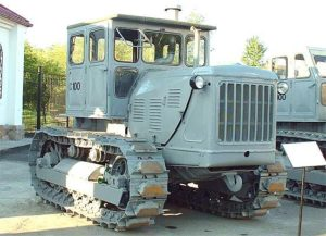 трактор с 100
