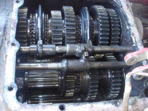 Трансмиссия «ВТ-150»; навесной механизм