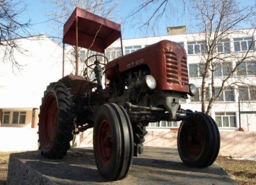 Отзывы о тракторах «ДТ-20»