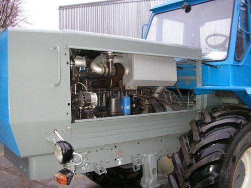 Головки в блоке цилиндров мотора «Д-260»