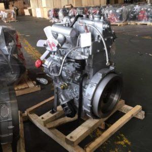 Двигатель, трансмиссия, рабочее место трактора «Xingtai-ХТ220»