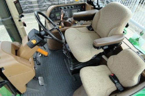 Кабина трактора «Джон Дир-7830»