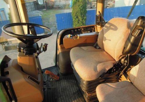 Кабина трактора «Джон Дир-8430»