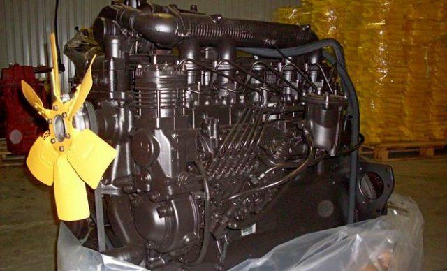 Двигатели и трансмиссия «Амкодор-352»