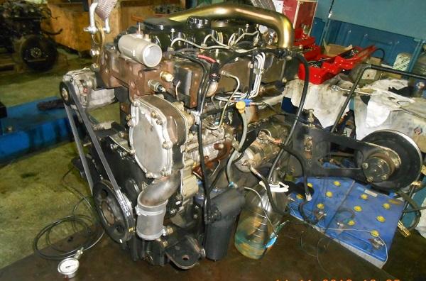 Двигатель экскаватора-погручика