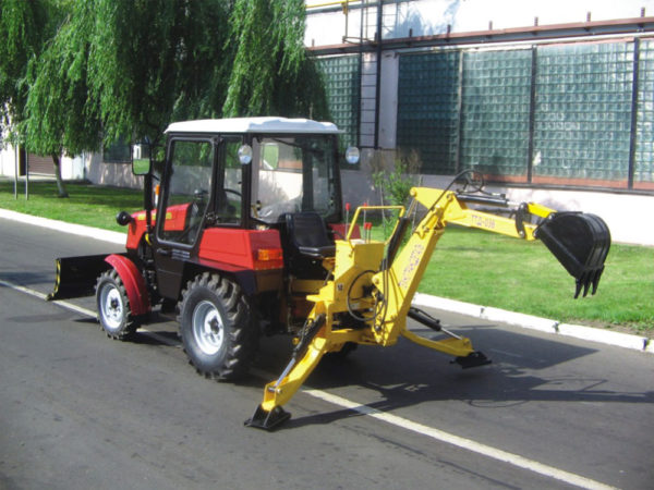 Навесные мини-экскаваторы белорусского производства: ТТД-036 и БЛ-21