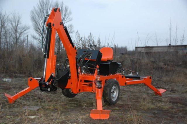 Прицепной мини-экскаватор Mini Digger-2500