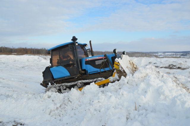 Не сельскохозяйственное рабочее оборудование трактора