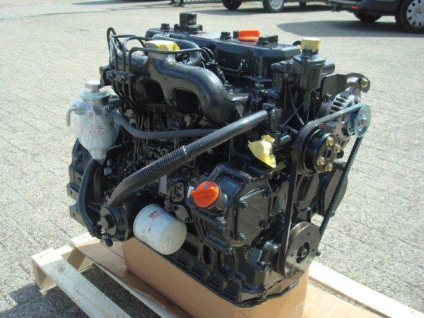 Двигатели разных модификаций мини-погрузчика МКСМ-800