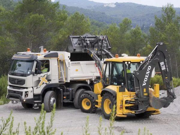 Отзывы об экскаваторах-погрузчиках Volvo BL71