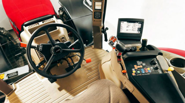 Кабина трактора Case Puma 210