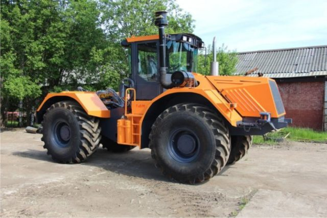 Характерные особенности и преимущества трактора К-704 Станислав
